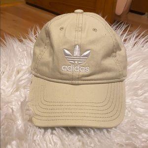 Adidas tan hat